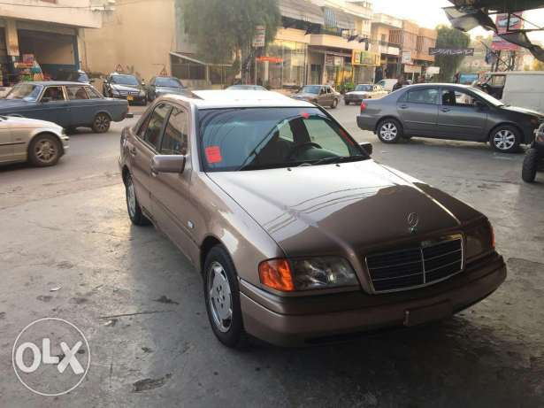 C180 super clean model 96 very good condition ma baha chi brown and br النبطية -  7