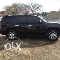 2008 GMC Yukon Denali newly arrived clean car fax !!