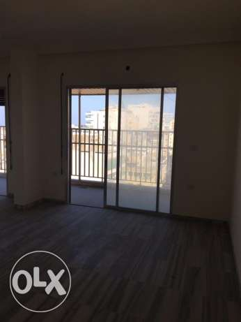 Zareef: 186m2 Apartment for rent