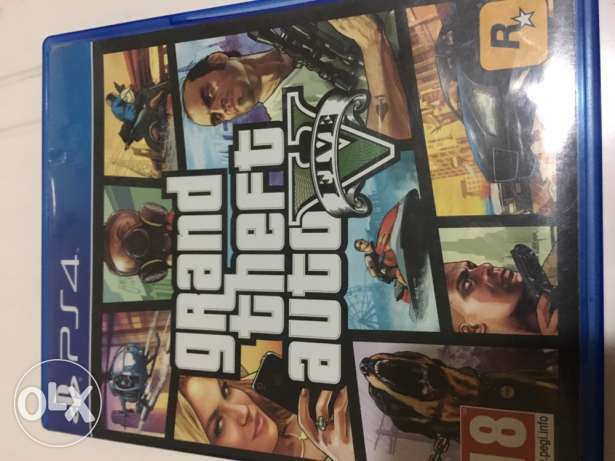 playstation four gta five cd used two months only with game map