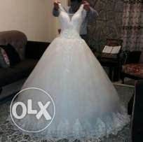 wedding dress in excellent condition