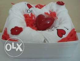 Gifts for other occasions (121 Three red hearts basket)