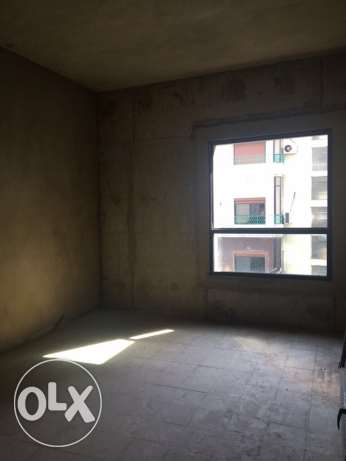 Ein Mrayseh: 770m apartment for sale ميناء الحصن -  4