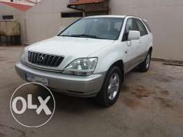 Lexus RX300 - Very Good Condition – 4X4 - 2002 - full option – BUMC co