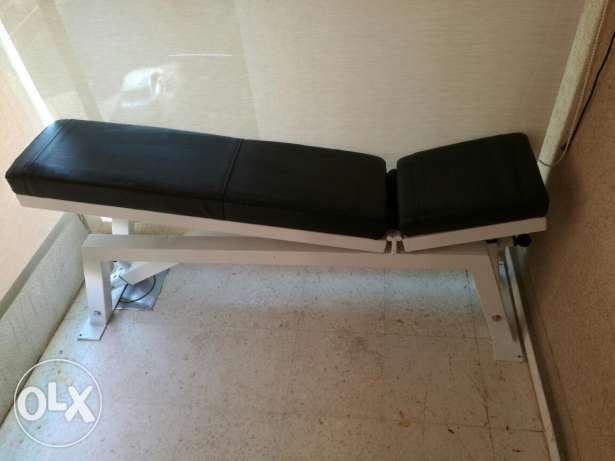 Sport bench, barely used, like new بيت الشعار -  3