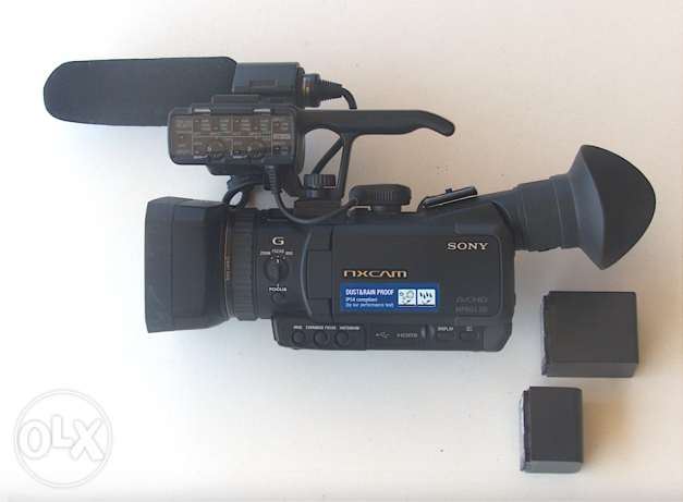 SONY AVCHD, MPEG SD, with 2 rechargable batteries 14Wh & 25Wh