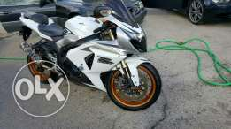 Gsxr jdider white color