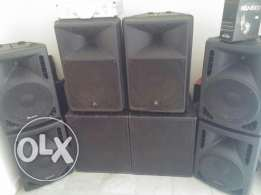 6 Speakers for sale 2 bass very good conditon only for1500$