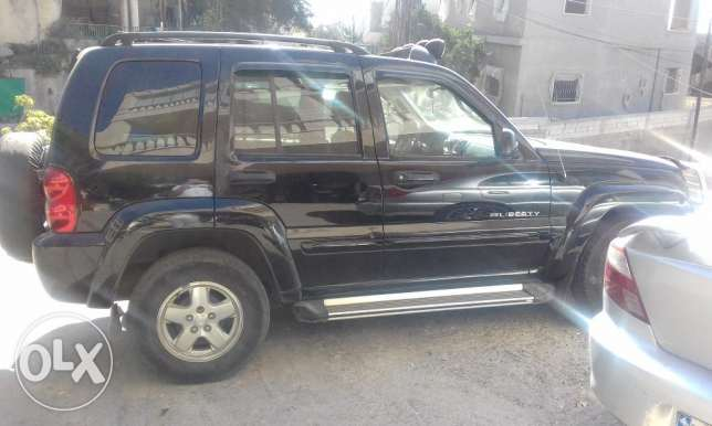 jeep liberty limited edition 2002 4x4 عاليه -  2