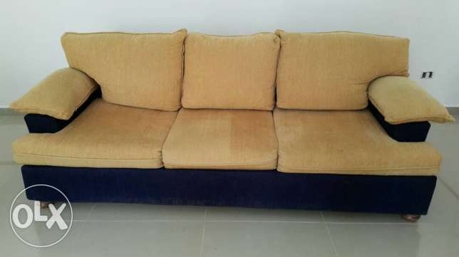 Sofas + ghaz for sale bi 7ale jayide