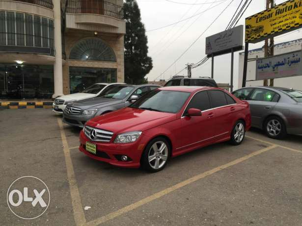 C300.AMG KiT,navigation.large screen.red-black .very clean car