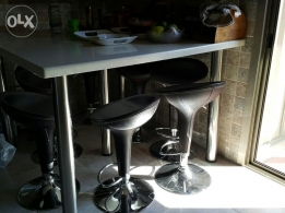 kitchen / Outdoor table wz chairs