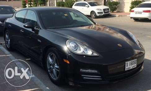 2012 Porsche Panamera 4 very low milage for sale in Dubai