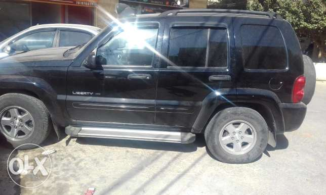 jeep liberty limited edition 2002 4x4 عاليه -  6