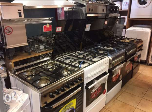 italian gas oven 4 eyes ( new in box)