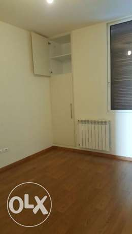 Amh181 Flat for rent located in Achrafieh Lycee, 120m2, 7th floor.