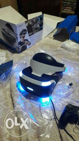 Ps4 VR for sale with 2 game 1 resident evil 2nd one VR demo...