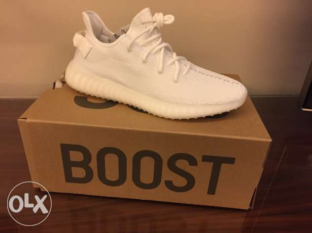 Cream White Yeezy boost 350 V2 size 46 (11.5 US)