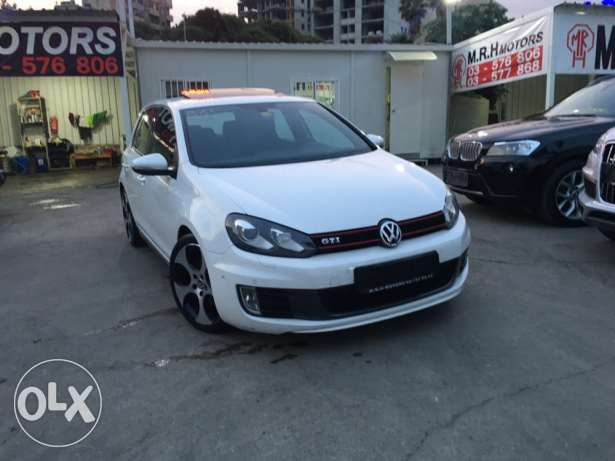 VW Golf VI GTI 2011 White Fully Loaded in Excellent Condition! بوشرية -  2