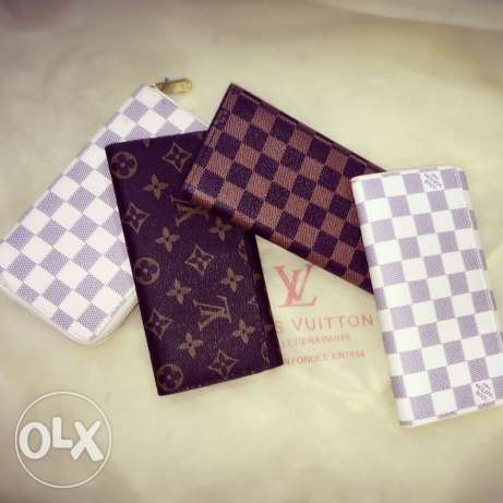 louis vuitton wallets عاليه -  1