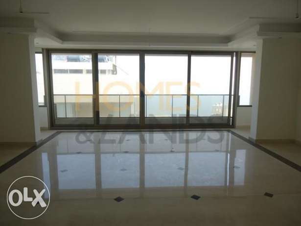 A 3 Bedroom Apartment for Rent in Ain al-Mraiseh, Beirut (AP1333)