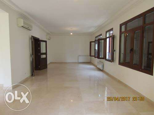 300sqm Traditional Lebanese Apartment for rent Tabaris Ashrafieh