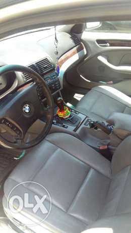 325i 2005 trad available