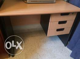 Office desk / table wood good condition