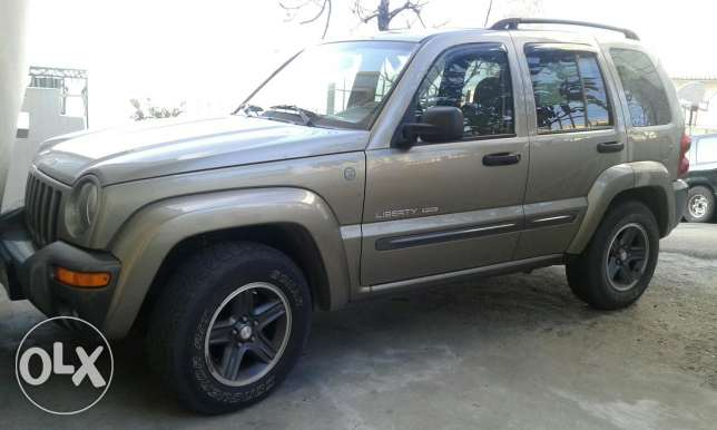 Jeep liberty 2004 4*4 Abs airbag limited edition