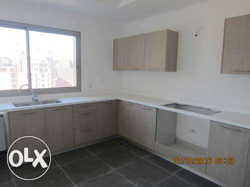 Unfurnished new Apartment For Rent Achrafieh 20th floor أشرفية -  4