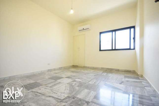 170 SQM Apartment for Rent in Beirut, Hamra AP5293 راس  بيروت -  7