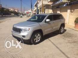 2011 Jeep Grand Cherokee fully loaded newly arrived