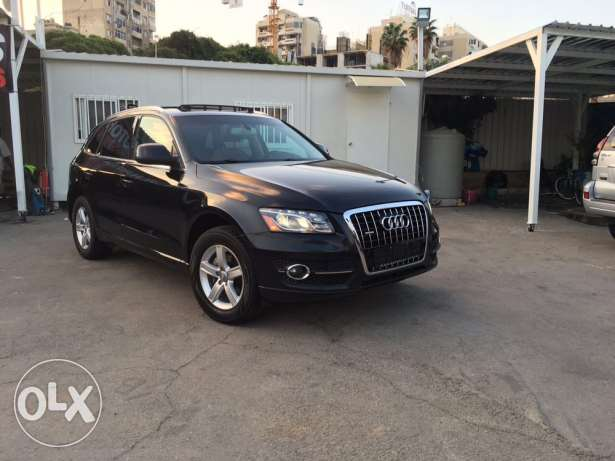 Audi Q5 2.0T 2011 Black/Basket Fully Loaded Clean Carfax Like New! بوشرية -  1