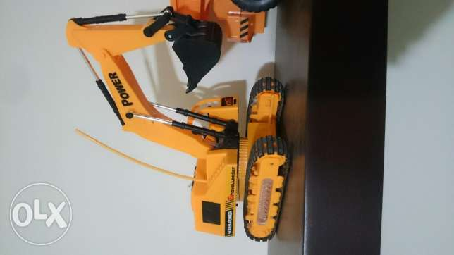 Rc excavator with new battery