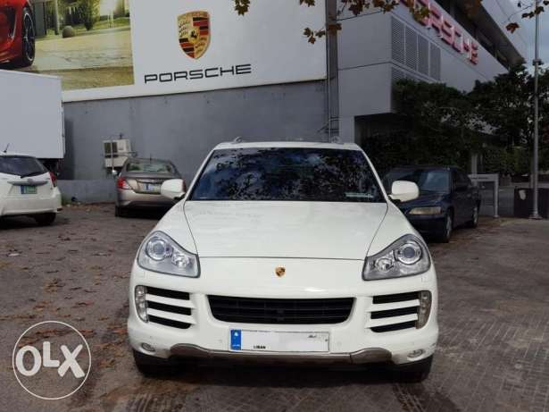 02008 Porsche Cayenne White/Black Porsche Beirut Approved 1 Owner