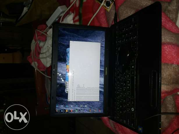 Laptop toshiba lal be3 kter ndef wshanto ma3o