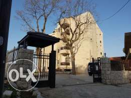 Bldg for sale in kleiat with panoramic view