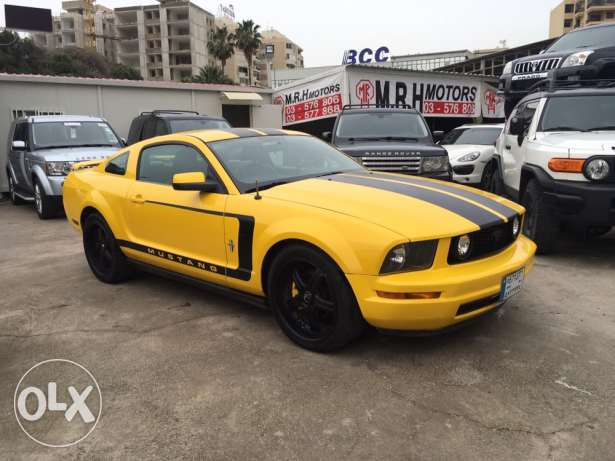 Ford Mustang 2005 Yellow