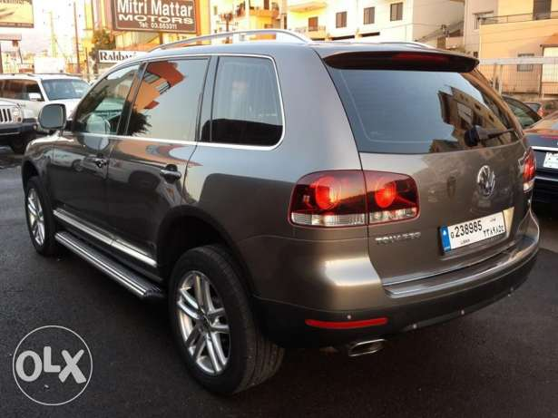 VW Touareg V6 4WD European specs Fully loaded Excellent condition ! كسروان -  2