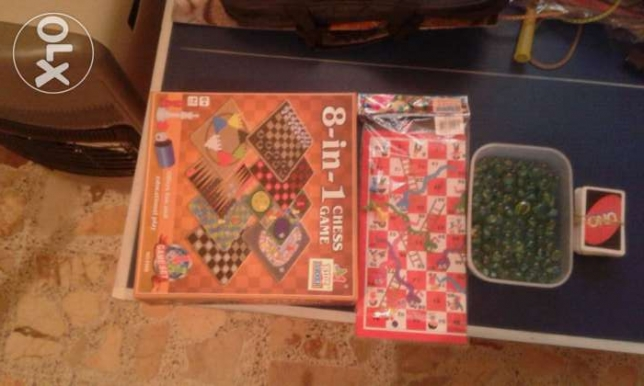 8 in 1 MiniGames + Snakes&Ladders +UNO cards + marbles