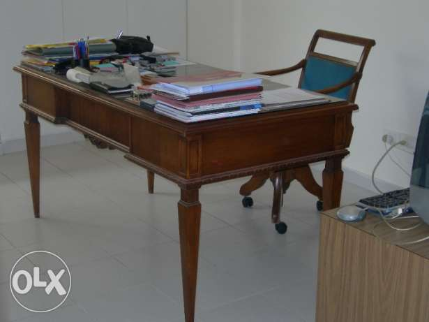 Louis VI desk and swivel chair راس  بيروت -  1