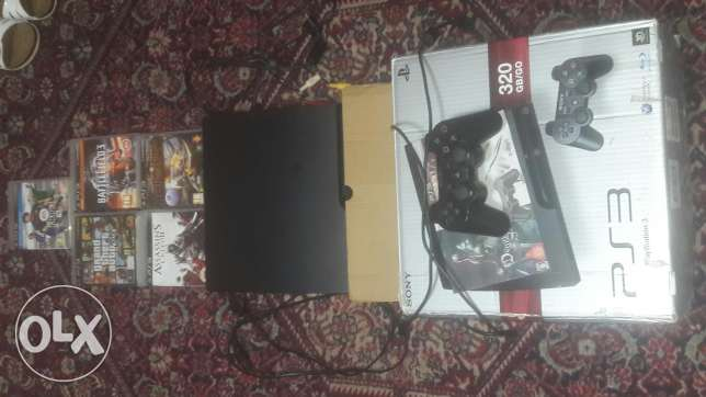 Ps3 with 5 cds