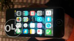 Iphone 4s very clean in a good condition like new