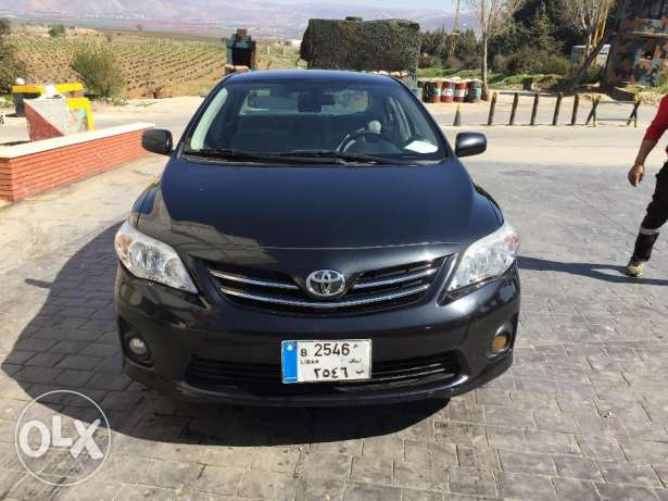 toyota corolla (BLACK) ,made in japan from toyota(lebanon)