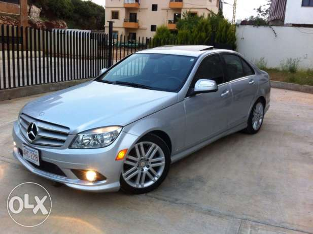 c300 model 2009 silver/black big navigation