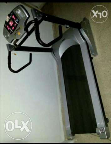 Treadmill verry good condition/with free fitness ball from USA زلقا -  1