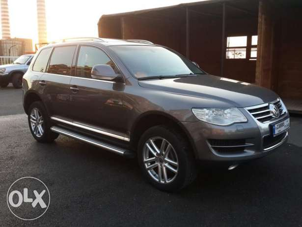 VW Touareg V6 4WD European specs Fully loaded Excellent condition ! كسروان -  4