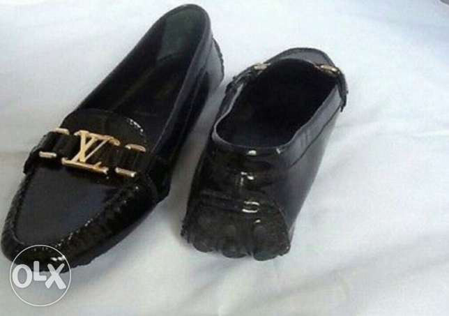 Original louis vuitton glossy black leather moccasin