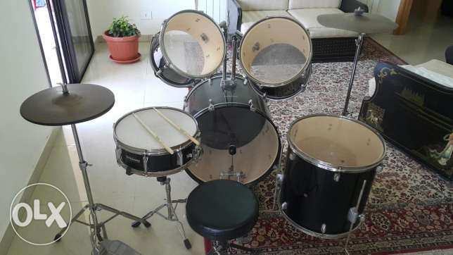 Nice quality of drums, 9 pieces, Dynamic percussion ..