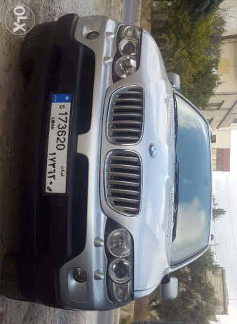 X5 bmw 2004. 4.4 full option silver in black panoramic sport packag